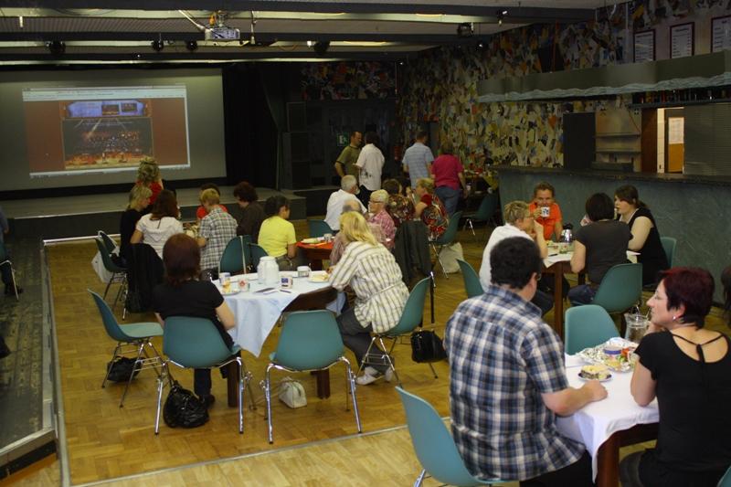 """05.06.2010 erstes Treffen Kulturfabrik Hoyerswerda zur Vorstellung des Stücks """"Magnificat"""""""