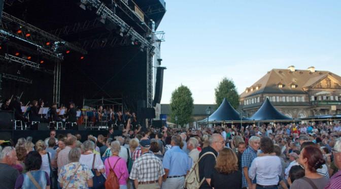 """Flashmop mit 150 Sängern und der """"Ode an die Freude"""" zum Stadtfest in Dresden 2013"""